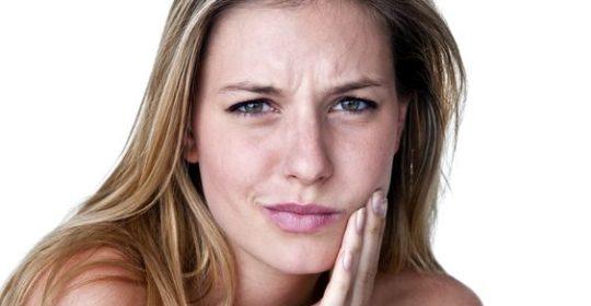 Bolesne owrzodzenia w jamie ustnej – profilaktyka i leczenie aft i pleśniawek