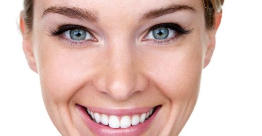 Ruchomość zębów – przyczyny, leczenie