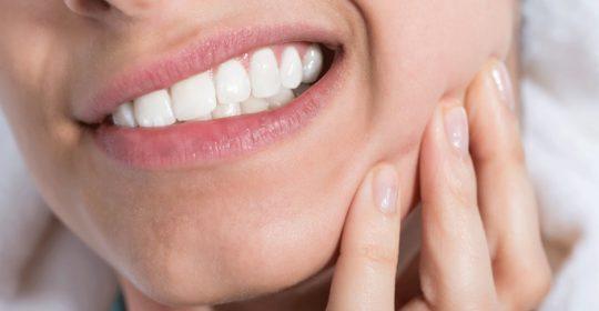 Torbiele zębopochodne – rodzaje, przyczyny, leczenie
