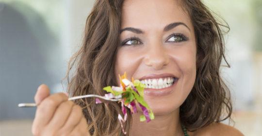Dieta wegańska a zdrowe zęby – na co należy zwrócić uwagę?