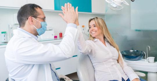 Relacja dentysta – pacjent: co na nią wpływa?